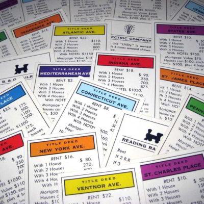 luật chơi cờ tỷ phú, các thẻ giấy tờ đất trong cờ tỷ phú